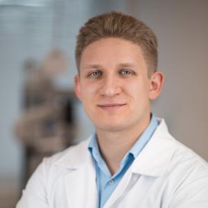 Dr. med. Nagy im Interview zum Thema Augenherpes