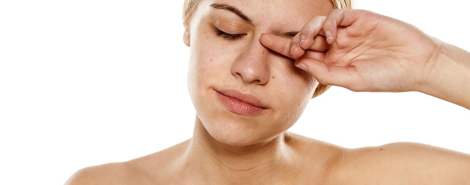 Fremdkörper im Auge nicht durch reiben entfernen