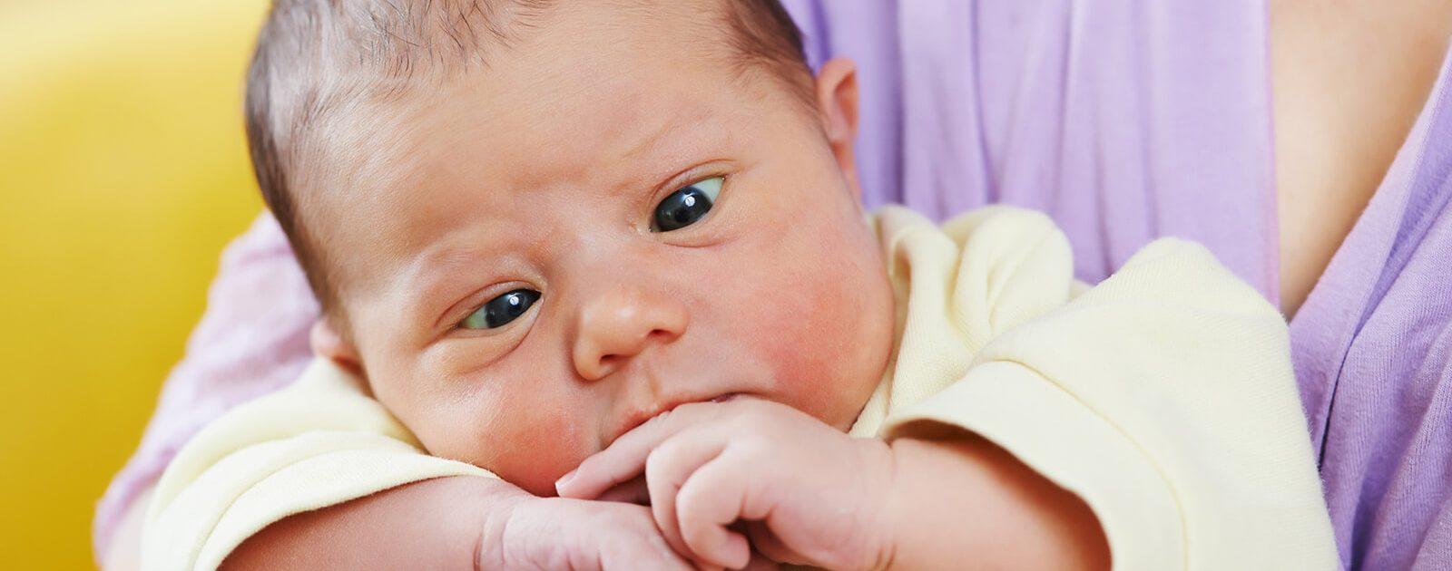 Schielen bei Kleinkindern kann zu Sehstörungen führen