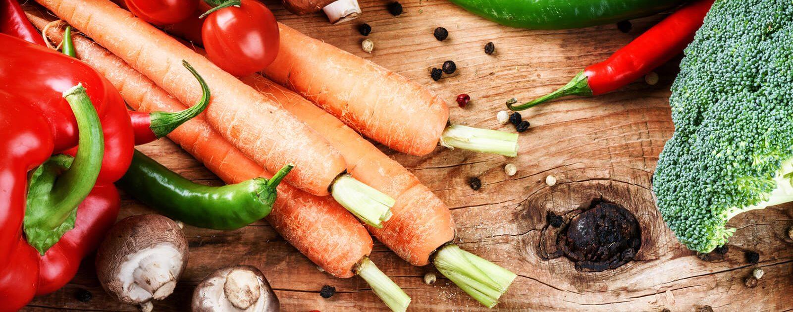 Obst und Gemüse enthalten viele Vitamine für die Augen.